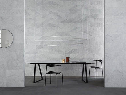Dritto Dinning Table
